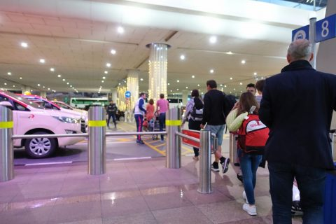 dubai-airport-access-taxi/乗り場案内