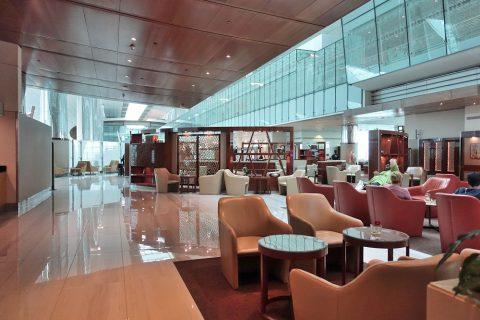 dubai-businessclass-lounge-b/ラウンジ内