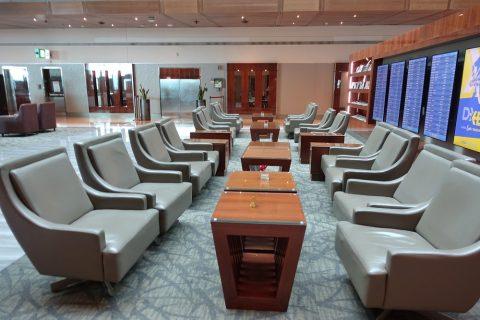 dubai-businessclass-lounge-B/ソファー