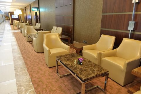 dubai-firstclass-lounge-A/ソファー