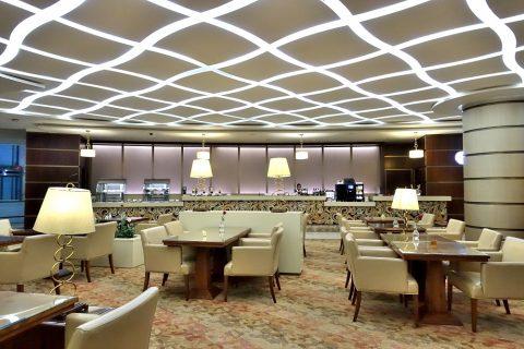 dubai-firstclass-lounge-A/ダイニングテーブルとBArカウンター