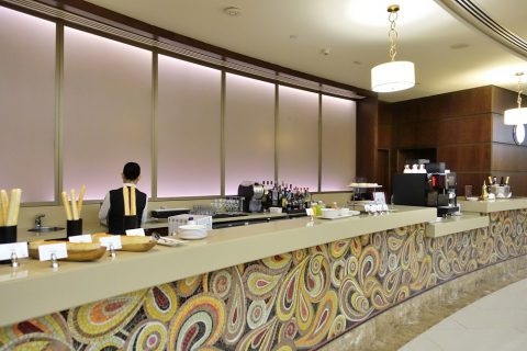 dubai-firstclass-lounge-A/Barカウンター