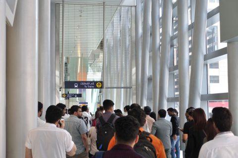 dubai-metro/駅のゲート