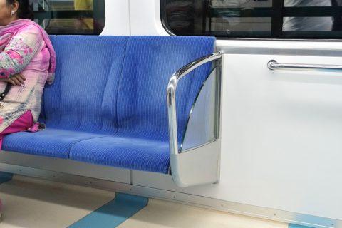 dubai-metro/シルバークラスのシート