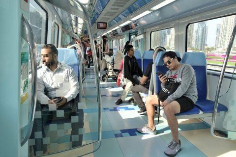 dubai-metro/シルバークラスの車内とシート
