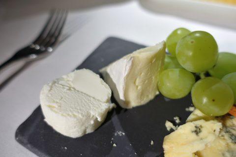 emirates-firstclass-a380/チーズの盛り合わせ