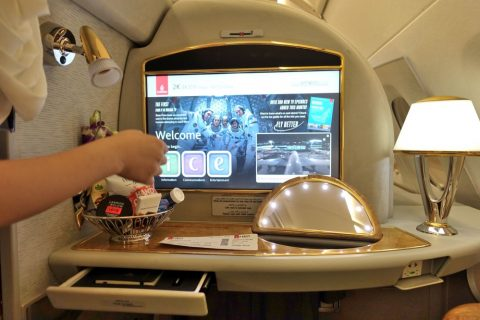 emirates-firstclass-a380/モニター周り