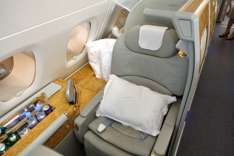 emirates-firstclass-a380/窓側席