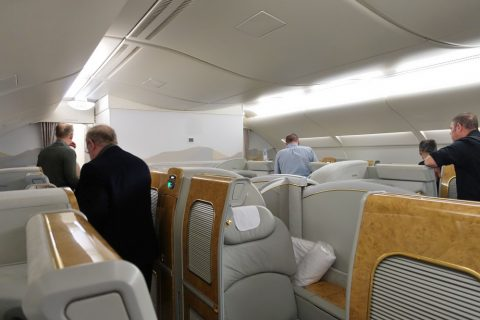 emirates-firstclass-a380/人数