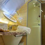 エミレーツ航空A380で機上の【シャワールーム】を体験!ファーストクラス搭乗記NRT~DXB