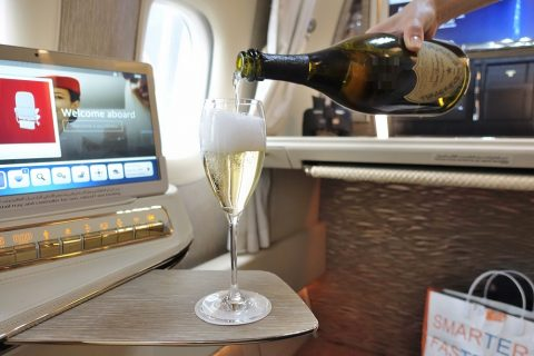 emirates-firstclass-b777-new-seat/ウェルカムドリンク