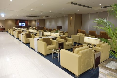 narita-emirates-lounge/リビングエリア