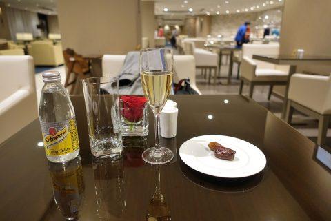 narita-emirates-lounge