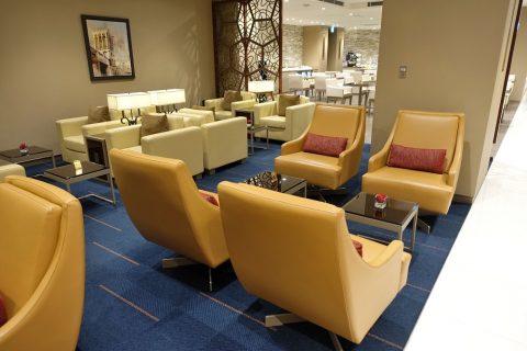 narita-emirates-lounge/ソファー