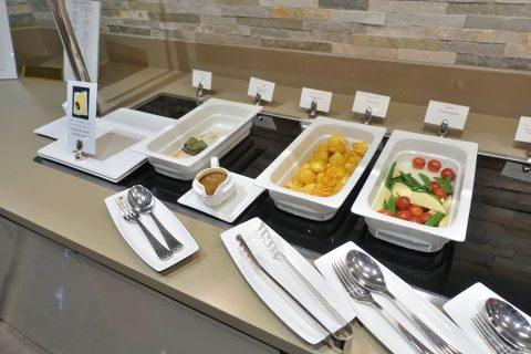 narita-emirates-lounge/温野菜