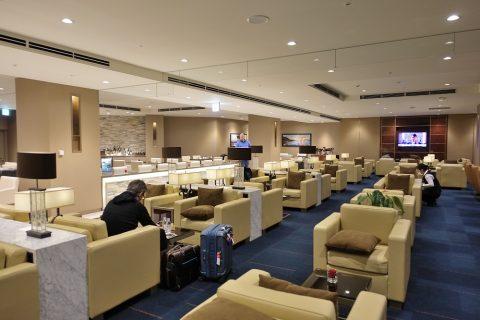 narita-emirates-lounge/混雑