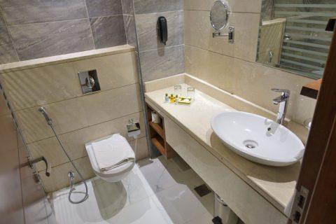 rose-park-hotel-al-barsha/バスルーム