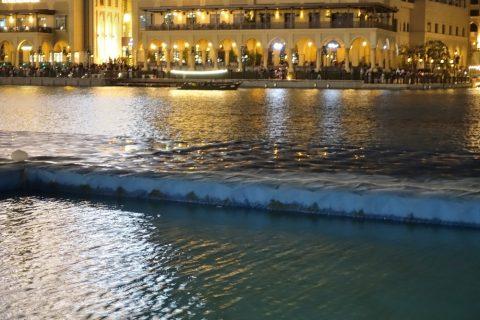 Dubai-Fountain/ずぶ濡れのボードウォーク