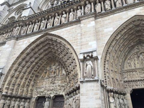 Notre-Dame-de-Paris/ファサードの聖人