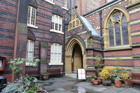 all-saints-margaret-street-london/中庭