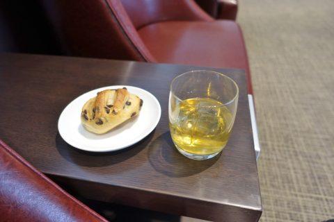 diamond-premier-lounge/パンとウィスキー