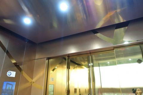 dubai-frame/エレベーターの中