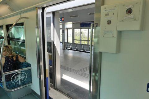 dubai-palm-monorail/途中駅