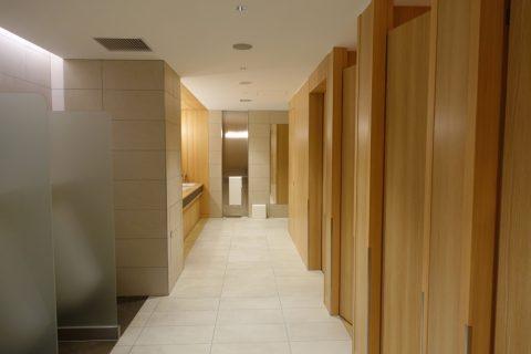 itami-sakura-lounge/トイレの個室