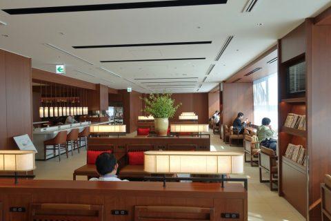 itami-sakura-lounge/ソファーエリア