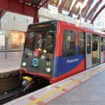 ロンドンのライトレール「DLR」乗り方と路線図、車内の様子