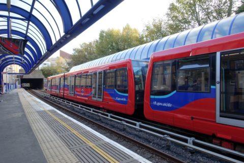 london-DLR/4両編成