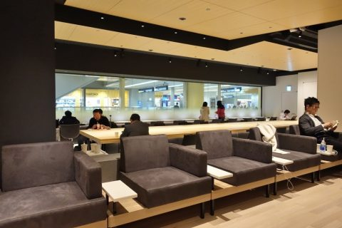 power-lounge-central-haneda-t1/ソファー席