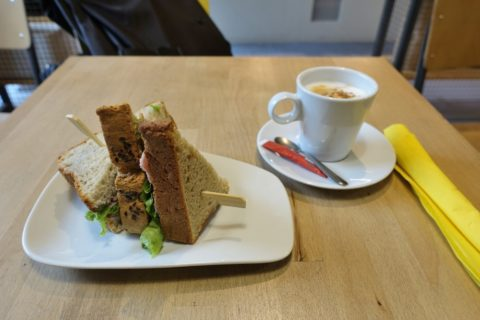 cafe-five-lyon/サンドイッチとコーヒー