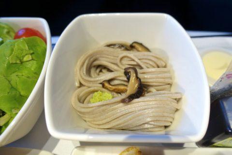 キャセイパシフィックビジネスクラス成田~香港/蕎麦