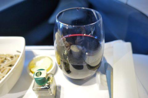 キャセイパシフィックビジネスクラス成田~香港/赤ワイン