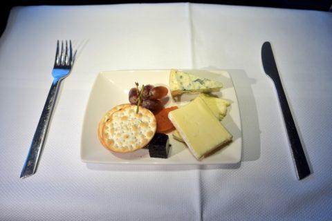 キャセイパシフィックビジネスクラス成田~香港/チーズセレクション