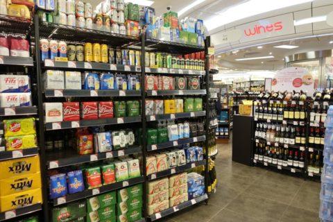 香港のスーパーのビール売場