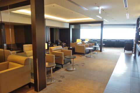 jal-firstclass-lounge-narita-4f/ラウンジエリア