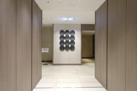 jal-firstclass-lounge-narita-4f/エントランス右