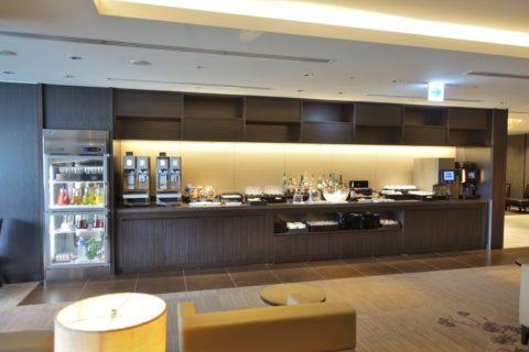 jal-firstclass-lounge-narita-4f/ドリンクカウンター