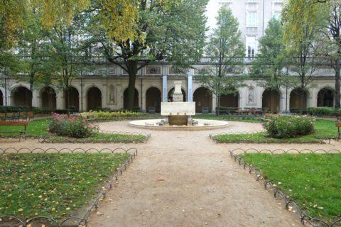 lyon-museum/中庭の噴水