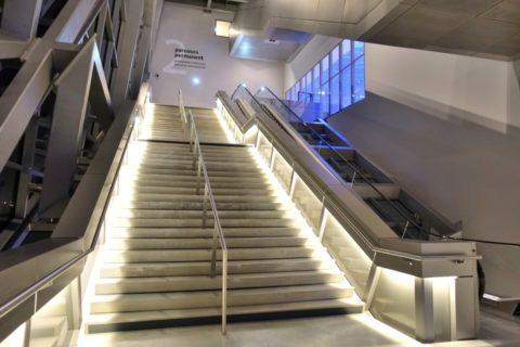 musee-des-confluences-lyon/階段
