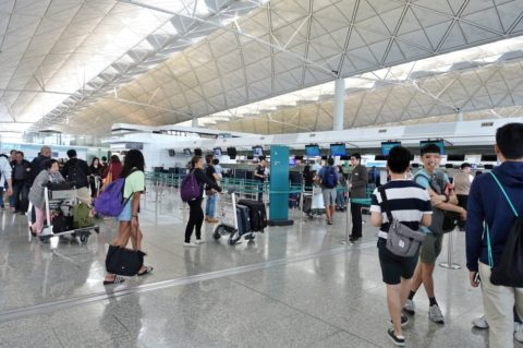 香港キャセイパシフィック航空エコノミーカウンター