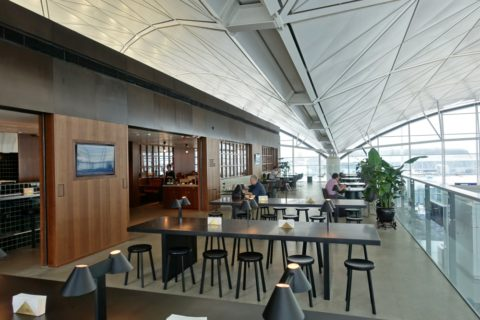 the-deck-cathaypacific-lounge/ザテラス