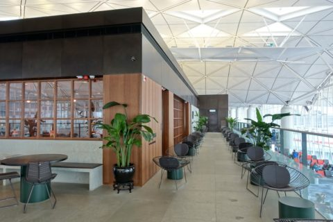 the-deck-cathaypacific-lounge/ザテラスの反対側
