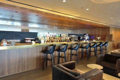 the-pier-businessclass-lounge/Barカウンター
