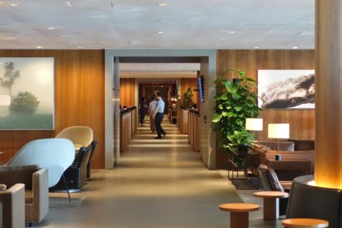 the-pier-businessclass-lounge/通路
