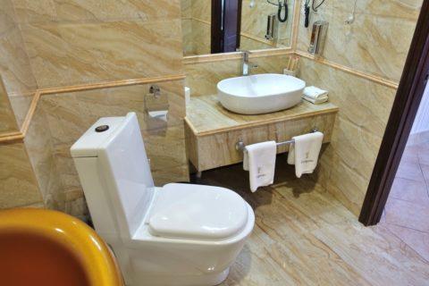 Enigma-Hotel/洗面台とトイレ