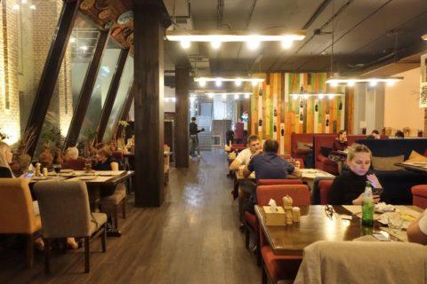 Georgian-Restaurant-Vladivostok/サツィヴィの店内