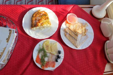 オケアン号の朝食